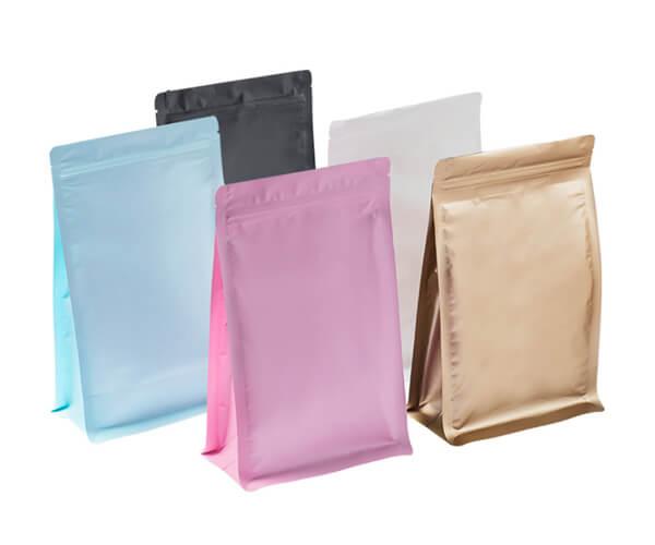 zipper bags display 1